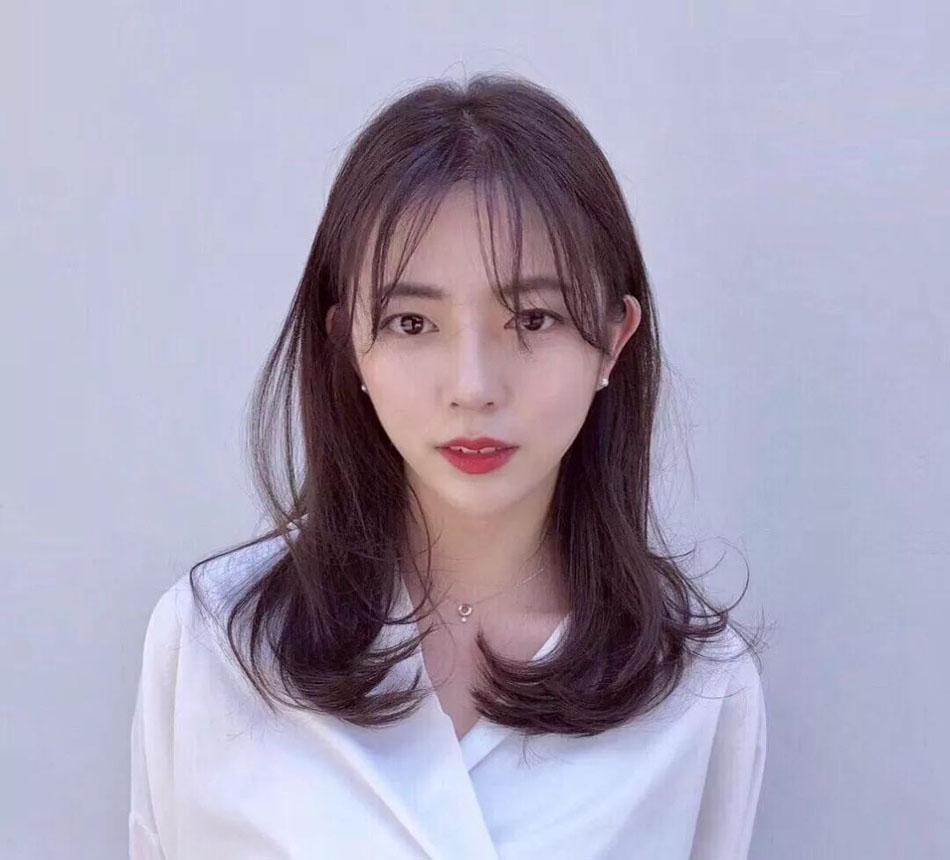 轻熟风刘海发型图片 职场女性首选