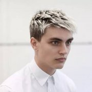 男生颜值低什么发型好 最夯型男发型大放送