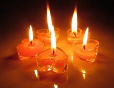 心形蜡烛唯美图片_点燃爱情的唯美蜡烛