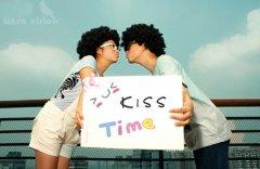亲吻恩爱图片_对你的爱全化作亲吻